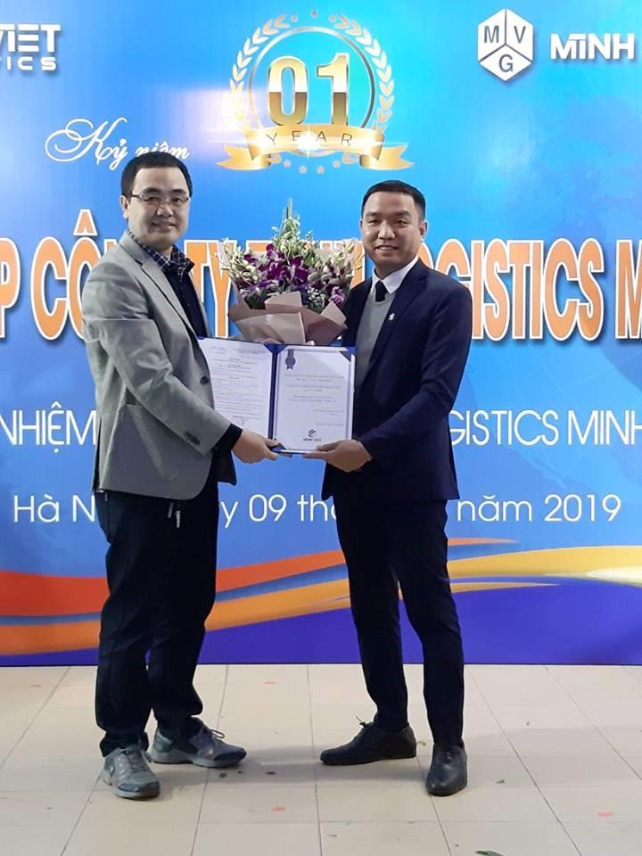 Tưng bừng kỉ niệm sinh nhật công ty TNHH Minh Việt Logistics tròn một năm thành lập